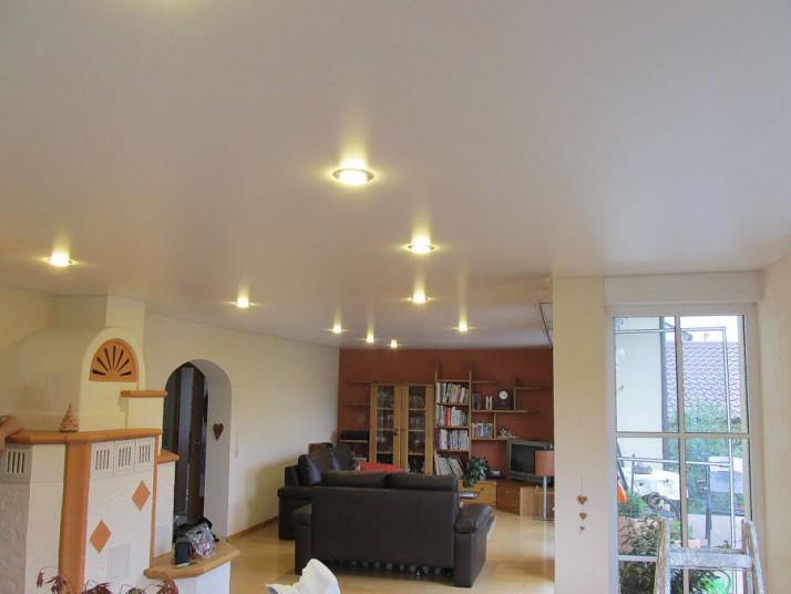 Spanndecke Wohnzimmer Deckengestaltung im Enzkreis